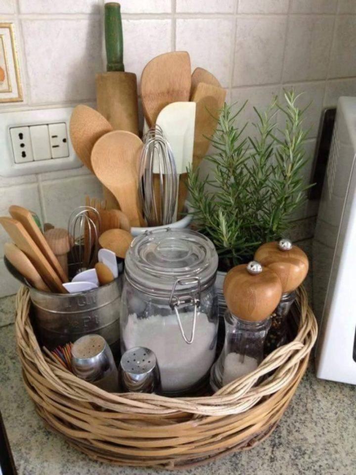 espátulas e recipientes de cozinha