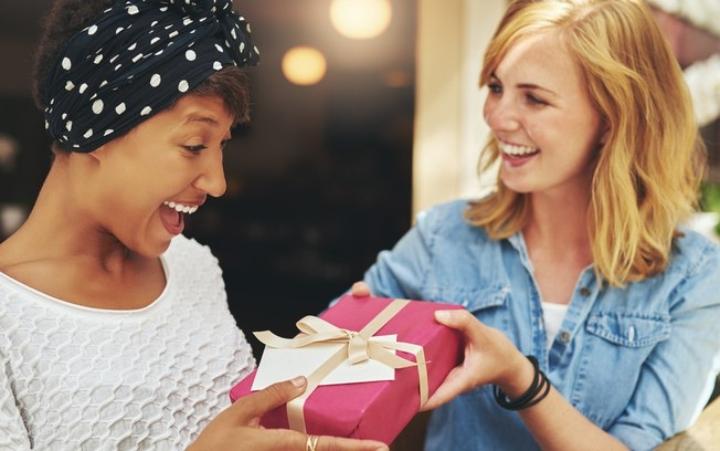 Amigo secreto diferente: 10 ideias para inovar na brincadeira!