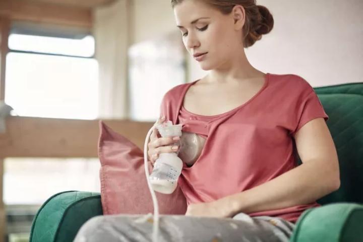 Conheça as 6 melhores bombinhas de tirar leite do mercado