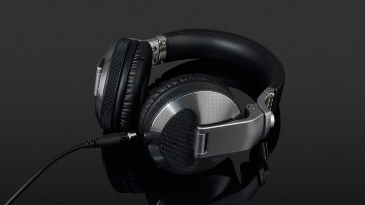 Melhor fone para DJ: 5 itens aprovados por profissionais