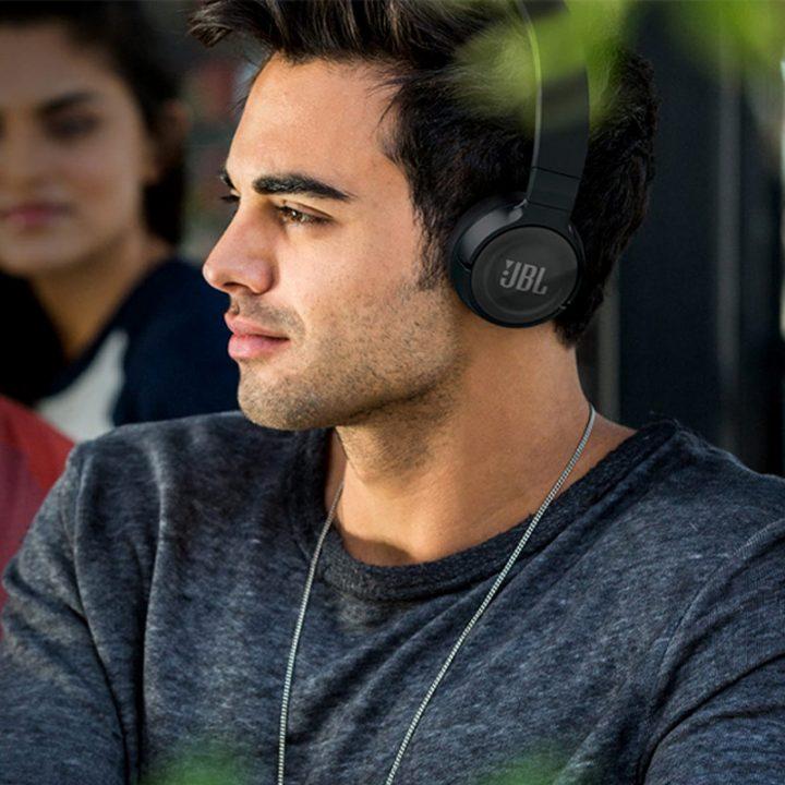 Melhor fone de ouvido para iPhone: 4 itens para fãs da marca